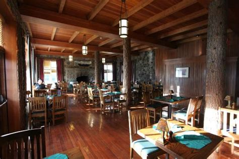 crater lake lodge dining room dining room at the lodge picture of crater lake lodge dining room crater lake national park