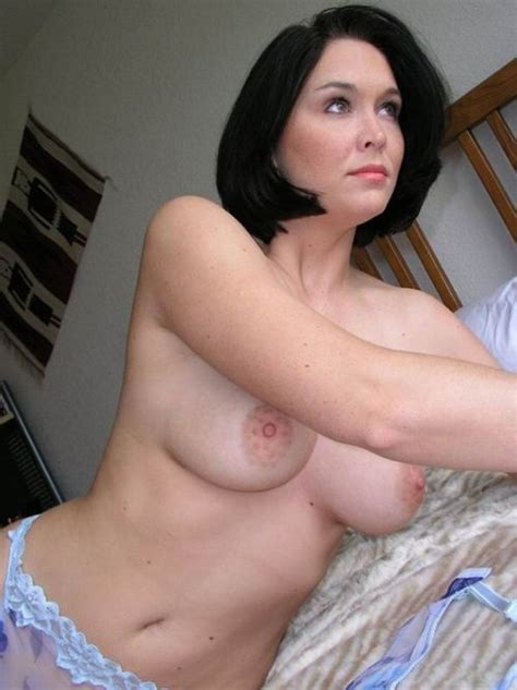 Sexy Brunette Housewife Milf Pictures Sorted By