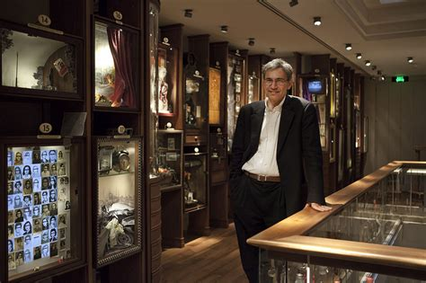 the museum of innocence file pamuk in the museum of innocence jpg wikimedia commons