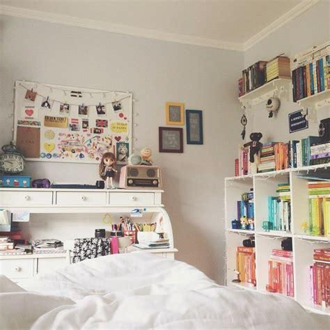 loving beautiful desk decor pen my little apartment serendipity by melina souza via tumblr image 2219829