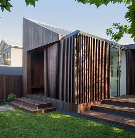 coy yiontis architects design humble house for traveling