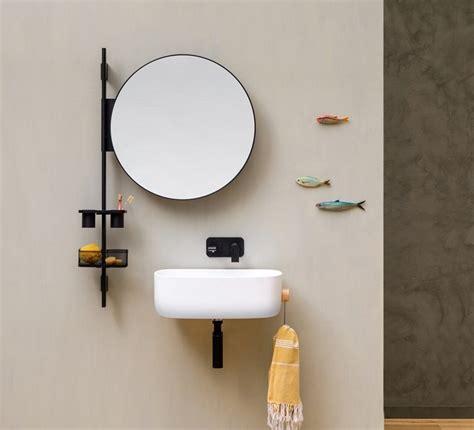 bagno funzionale un bagno moderno e funzionale con la barra attrezzata prop