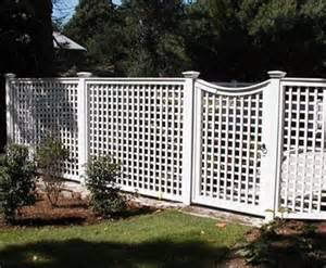 Wooden Obelisk Trellis Lattice With Concave Gate