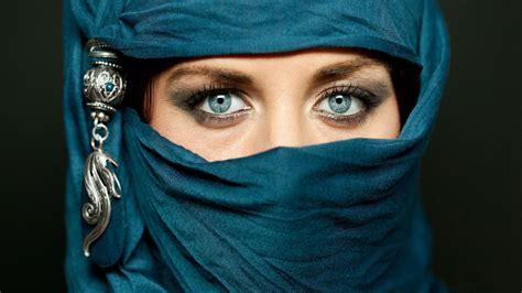 wallpaper wanita cantik arab hijab hd wallpaper hd wallpapers