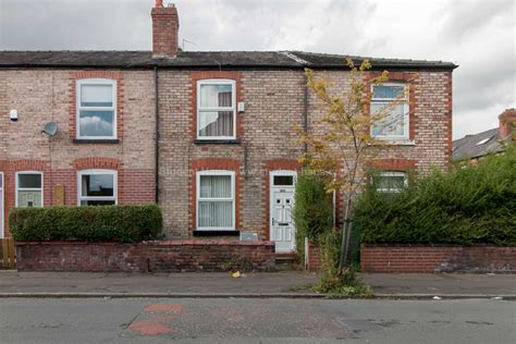 3 bedroom house in manchester 3 bedroom house to rent hill street manchester m20 3fy