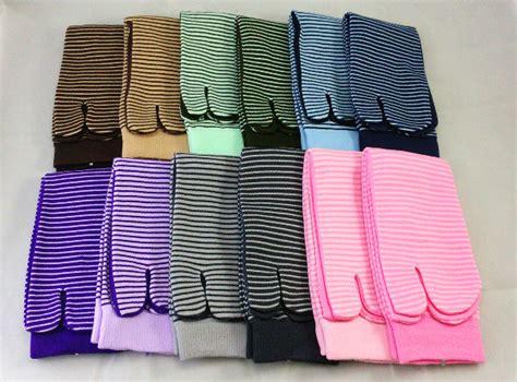 Kaos Kaki Soka Essentials Tribal kaos kaki soka essentials stripe digunakan untuk tetap trendy dan modis senyumummi senyumummi