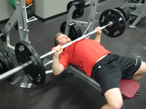 bench presser the definitive list of bench press mistakes