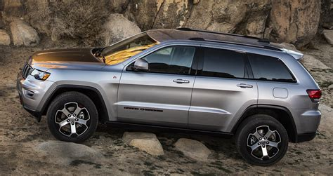 Jeep Grand Cherokee Overland Interior No Rock Is Too Sharp For The Jeep Grand Cherokee Trailhawk