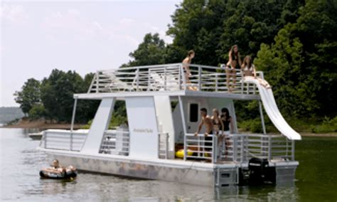 lake lanier boat rentals in georgia rent a 35 party yacht on lake lanier in gainesville