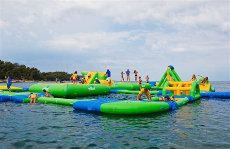 ultimate inflatable backyard water park the ultimate inflatable floating waterpark