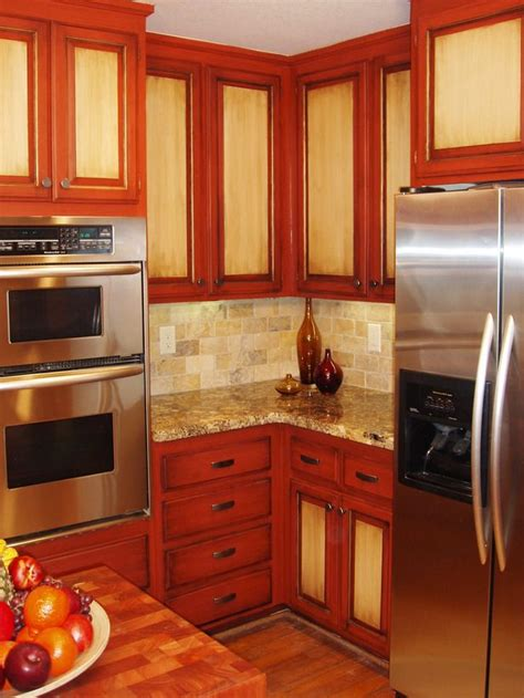 kitchen cabinets with different colored doors best 25 two toned cabinets ideas on pinterest two tone
