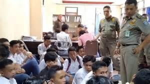 kumpulan berita rekaman video call razia pelajar bolos