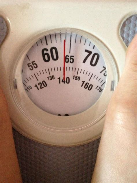 Timbangan Berat Badan Bekas asam garam 2 puteri saja nak tapi malu la berat badan saya