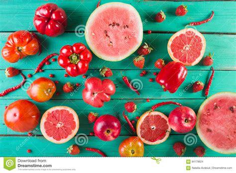 imagenes de verduras rojas frutas y verduras rojas fotos de stock registrate gratis