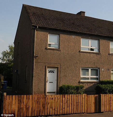 4 bedroom council house susan boyle finally moves into her 163 300 000 scottish home