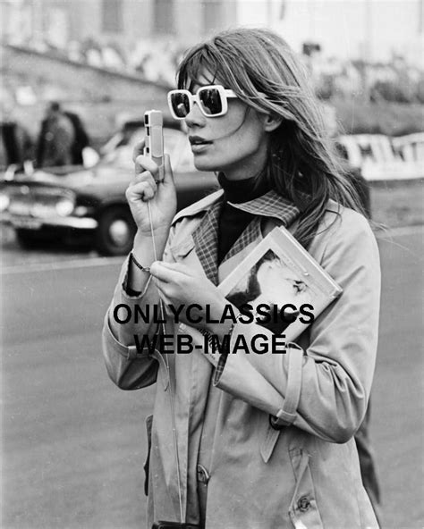 francoise hardy sunglasses 1966 fran 231 oise hardy in sunglasses glamour fashion photo
