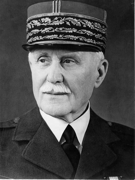Encyclopédie Larousse en ligne - Philippe Pétain
