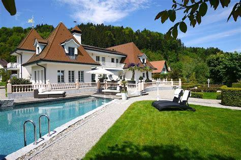 Villa Schweiz by Tg Oberwangen Romantisch Verspielte Villa Fsp