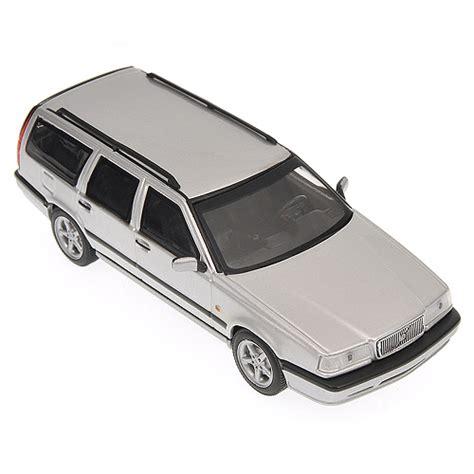 Volvo 850 Estate 1996 White 1 43 Minichs 430171412 New minichs 1996 volvo 850 silver metallic 430 171414 in 1 43 scale mdiecast