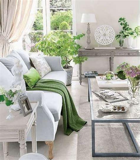 White And Green Living Room Ideas by Greenery Decoraci 243 N Con El Nuevo Color Pantone De 2017