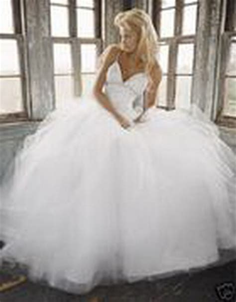 Traum Hochzeitskleid by Traum Hochzeitskleid