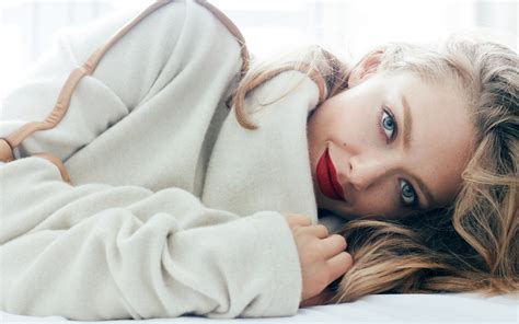 amanda seyfried vogue amanda seyfried vogue 2017 5k wallpapers hd wallpapers