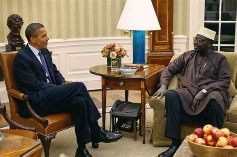 obamas oval office barack obama s brother malik obama linked to terrorism