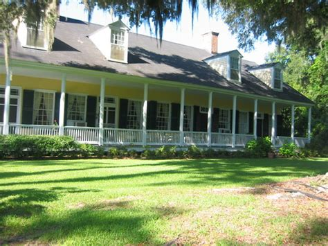 Cottage Plantation a view of the front porch and patio picture of