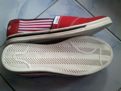 Sepatu Wakai Vs Toms sepatu toms harga grosir murah grosir sandal sepatu murah
