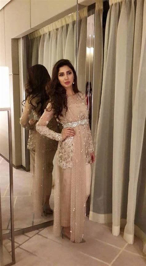 Mahira Dress by Mahira Khan In Beautiful Dress