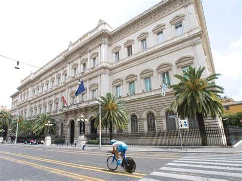 sede della d italia l allarme di bankitalia 171 pensioni a rischio se il tfr