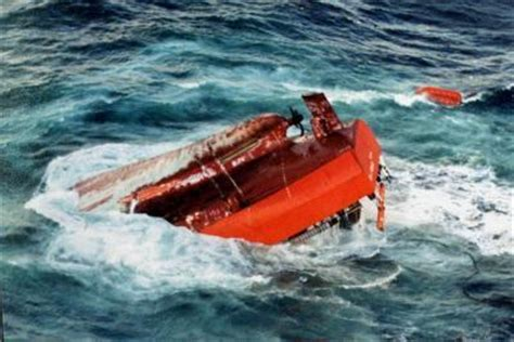 boat crash english channel navigation and ships shipwrecks and maritime disasters