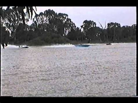 bad boat crashes loose canon bad boat crash berri 2000 youtube