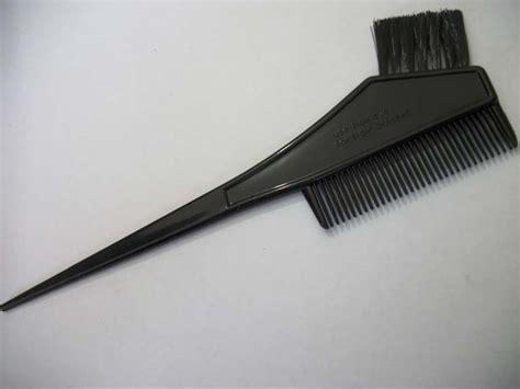 dengan trik murah ini mewarnai rambut bisa dilakukan