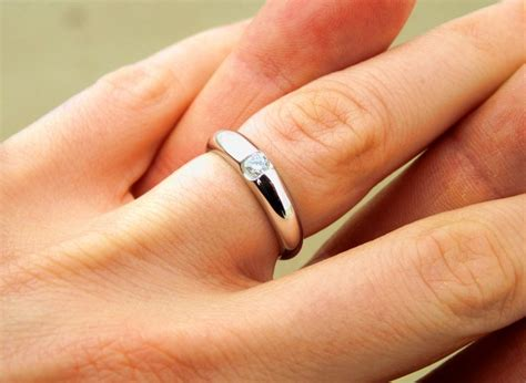 Verlobungsring Frau by In 10 Schritten Zum Perfekten Verlobungsring Braut Org