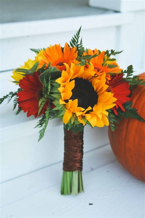 simple autumn inspired bridal bouquet breakdown - Fall Wedding Flower Ideas Pictures