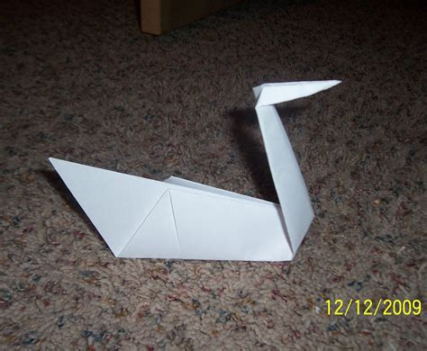 How To Swan Origami - how to make an origami swan 6 steps