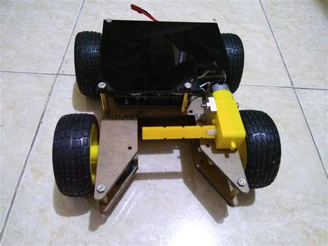 Alarm Motor Jogja robot soccer arduino robot soccer sepakbola berbasis