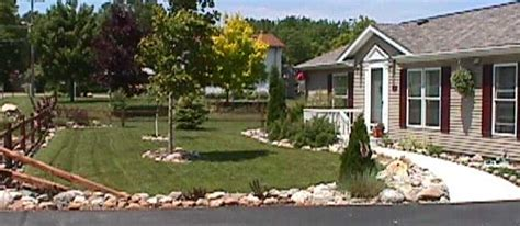 yard design for mobile home manufactured home front yard ideas joy studio design