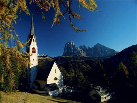 ufficio turismo val gardena cartoline da ortisei foto racconti in viaggio ansa it