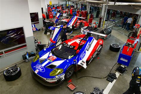 Engene Garage by The New Ford Gt Is Ready To Race