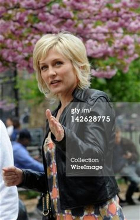 lindas hairstyle on blue bloods 1000 images about amy carlson on pinterest amy carlson
