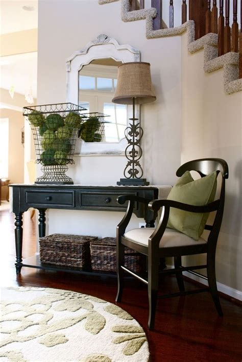 fabulous small entryway decorations  enhance