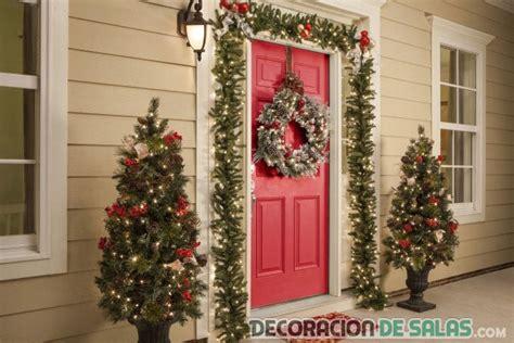 decoracion de arboles con cinta puertas de casa decoradas para navidad