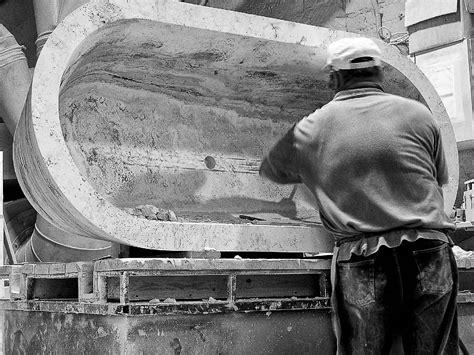 vasca da bagno in pietra come si realizza una vasca da bagno da un massello di