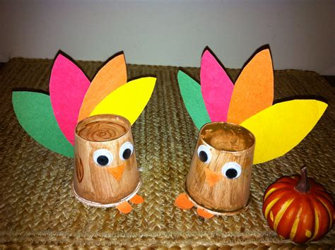 Paper Cup Turkey Craft - 5 thanksgiving activities for children 5 minutes for