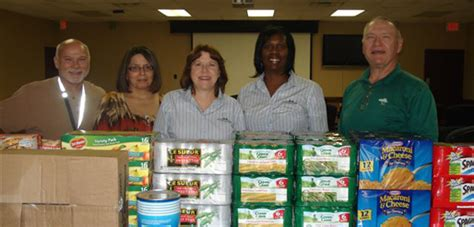 St Charles Food Pantry by Need For The Food Bank Is Growing St Charles Herald Guide