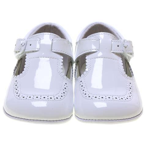 baby boy white patent t bar pram shoes scallop edge