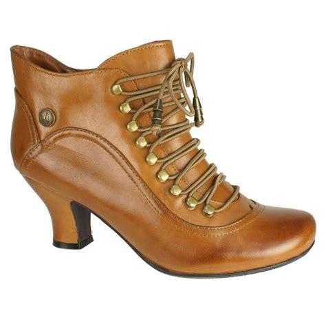 hush puppies vivianna s leather boots free