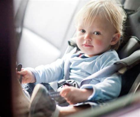 Kindersitz Auto Regeln Schweiz by Babyschale Und Kindersitz Famigros